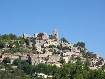 Lacoste village provence sud de la france