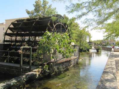 L'Isle-sur-la-Sorgue_water_wheel