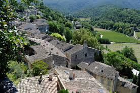 Village de Ménerbes en provence tourisme